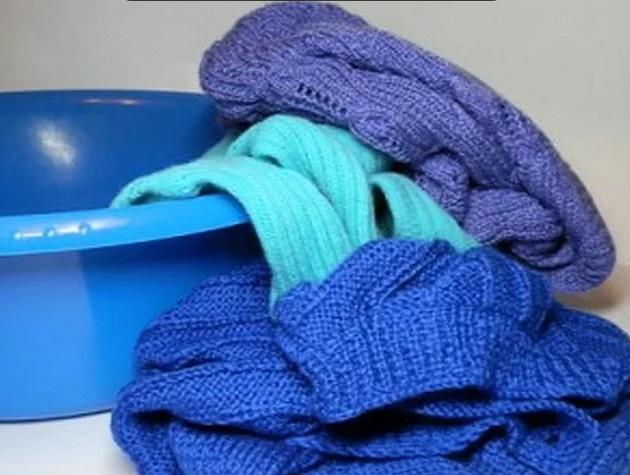 как стирать шерстяные вещи вручную