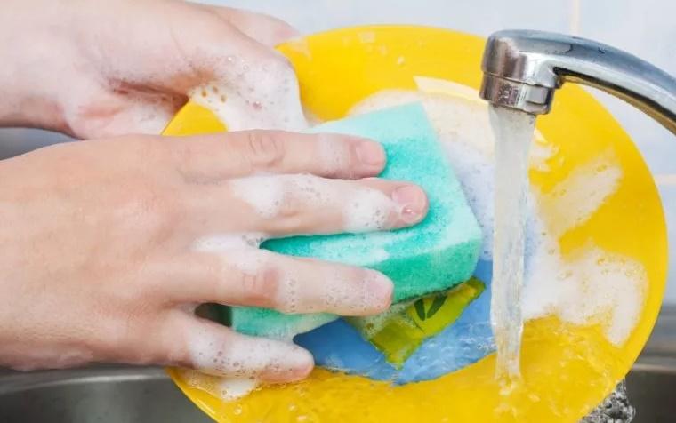 Вред и польза средств для мытья посуды