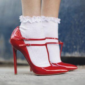 Как стирать белые носки, чтобы они оставались белыми
