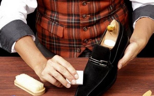 как стирать пятна с замшевой обуви
