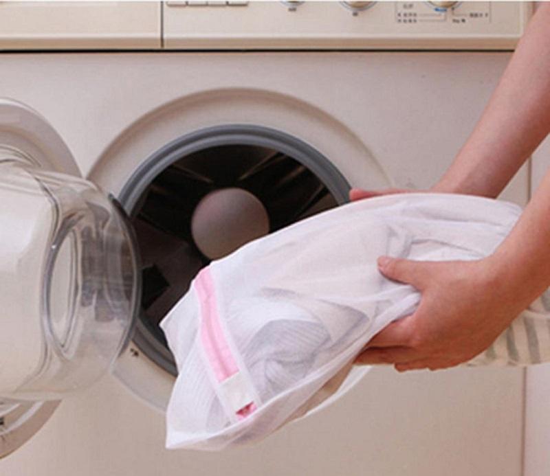 стираем шапочку в стиральной машинке