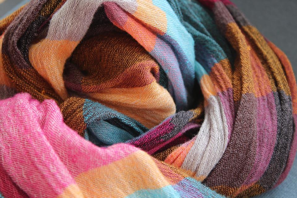 как стирать, чтобы цветные вещи не линяли