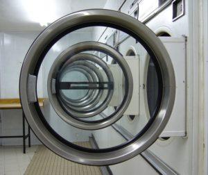 что делать стиральная машина аристон стирает без остановки