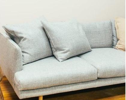 Как очистить мягкую мебель от сложных пятен